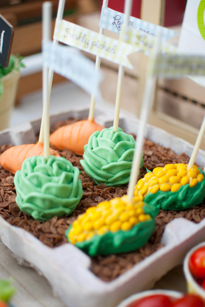 Garden Party by Twinkle Twinkle Little Party as seen on Yum Food and Fun for the Kids Magazine #gardenparty #springparty #kidsparty #gardening #partyideas