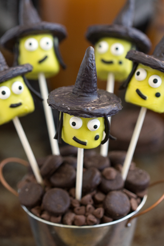 Halloween Witch Marshmallow Pops