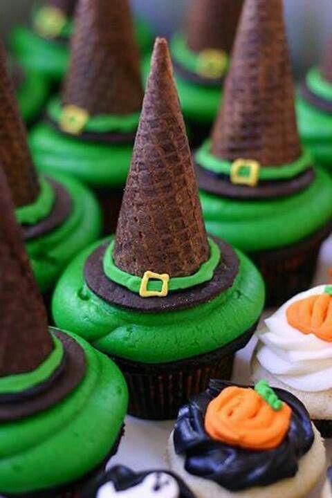 Halloweeen Witch's Hat Cupcake Idea