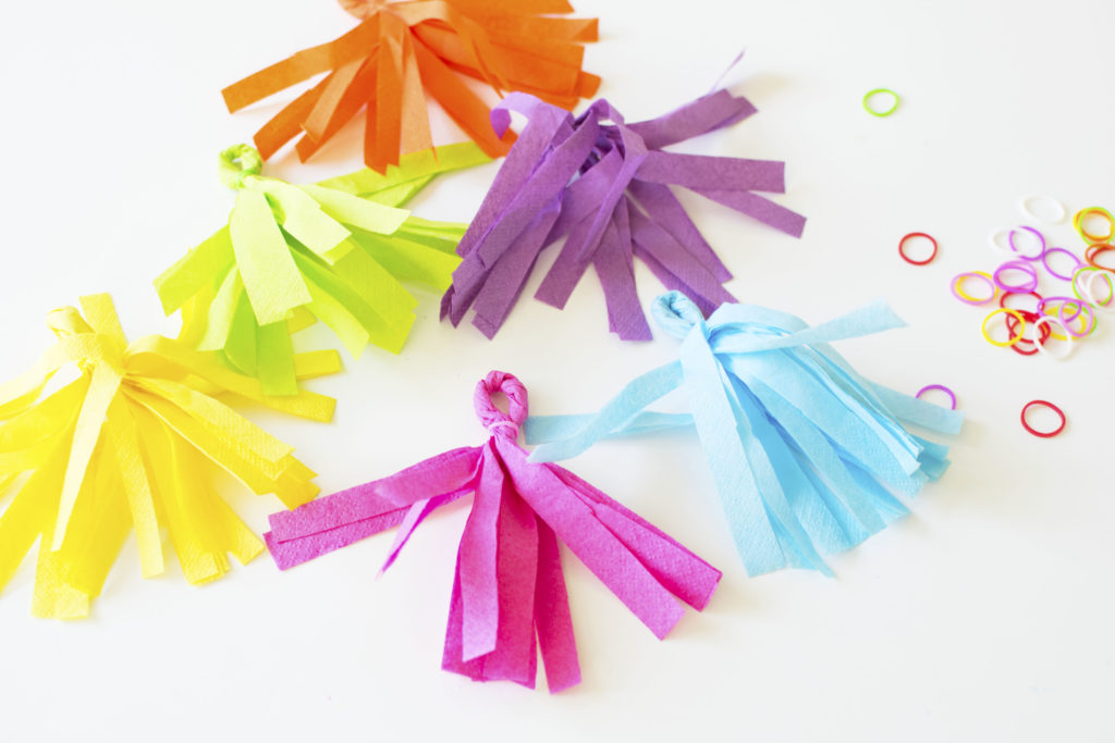 DIY Llama Fiesta Fringe Garland and Tassel Banner using paper napkins