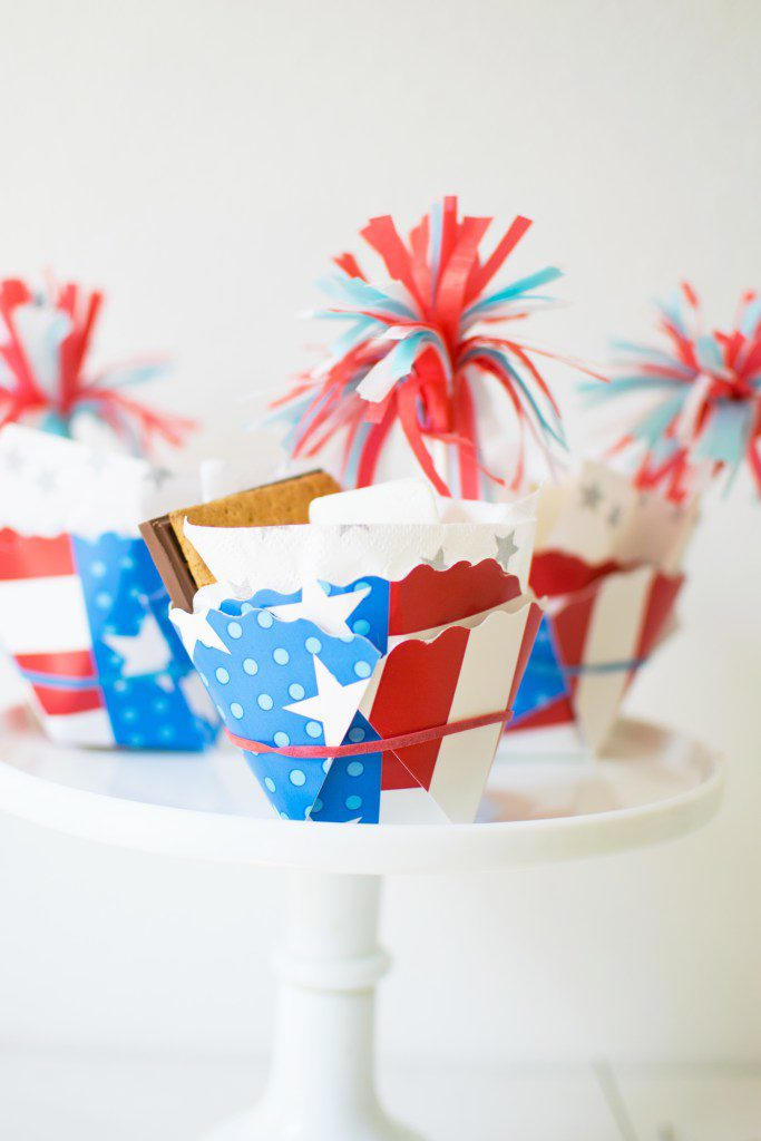 DIY 4th of July Treat Cups using paper plates