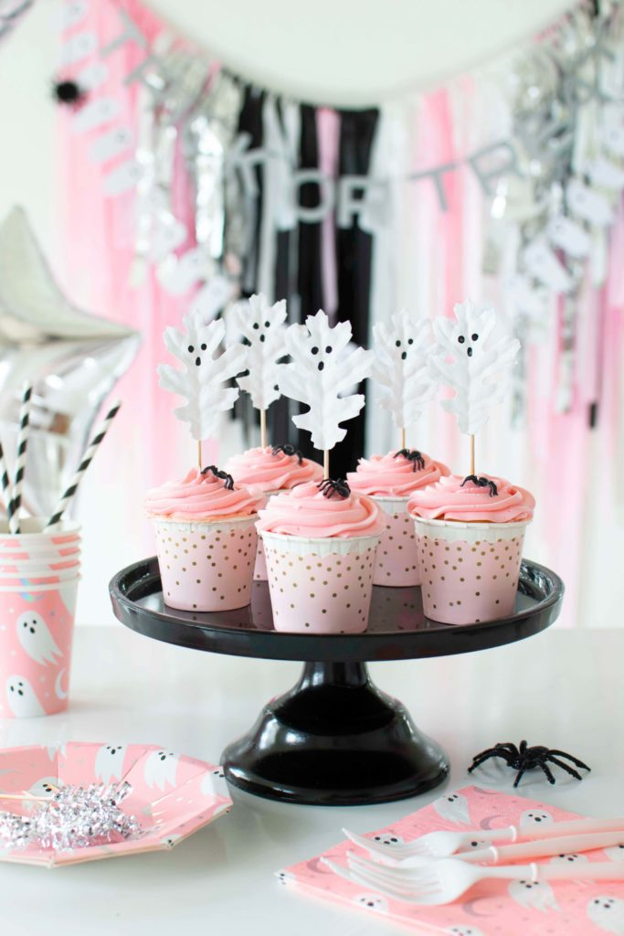 A Not so Spooky Pink Halloween Party