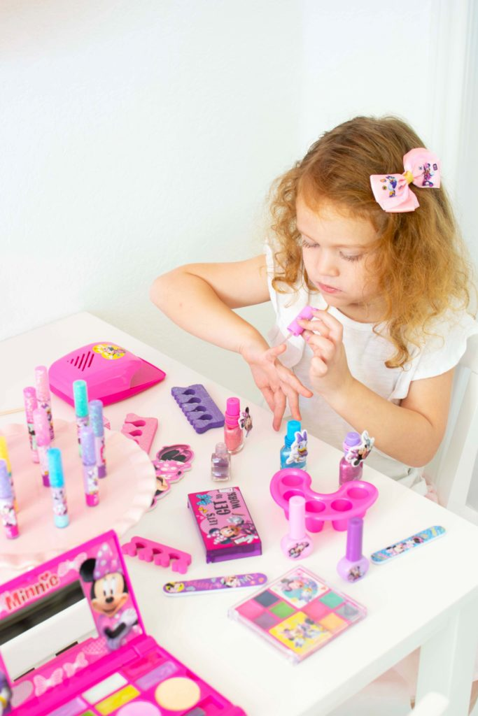 Host a Minnie Mouse Spa Playdate