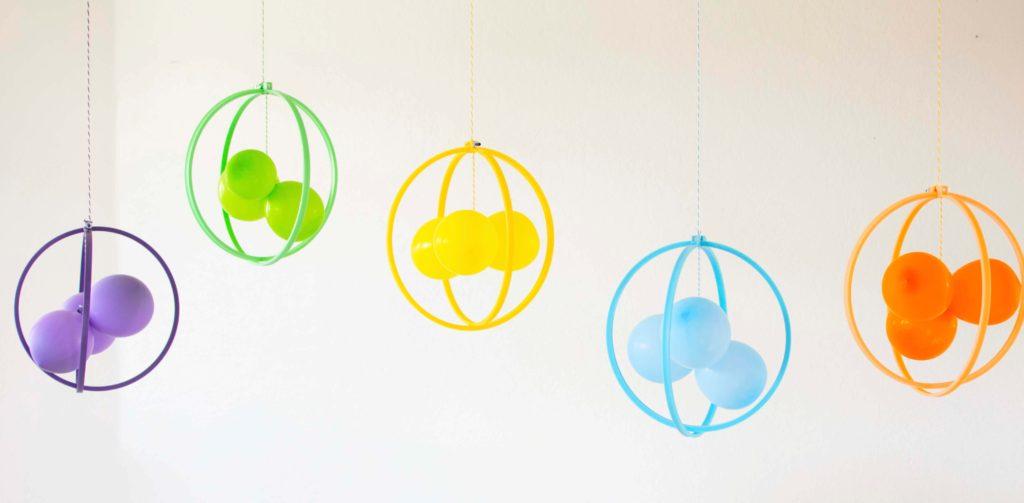 DIY Molecule Balloon Party Decor