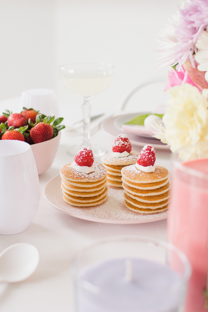 Host a lovely Sunday Brunch with Yankee Candle