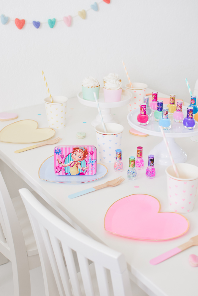 Host an Adorable Fancy Nancy Playdate