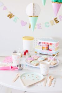 Host an effortless ice cream party