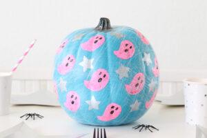 DIY Ghost and Stars Halloween Pumpkin