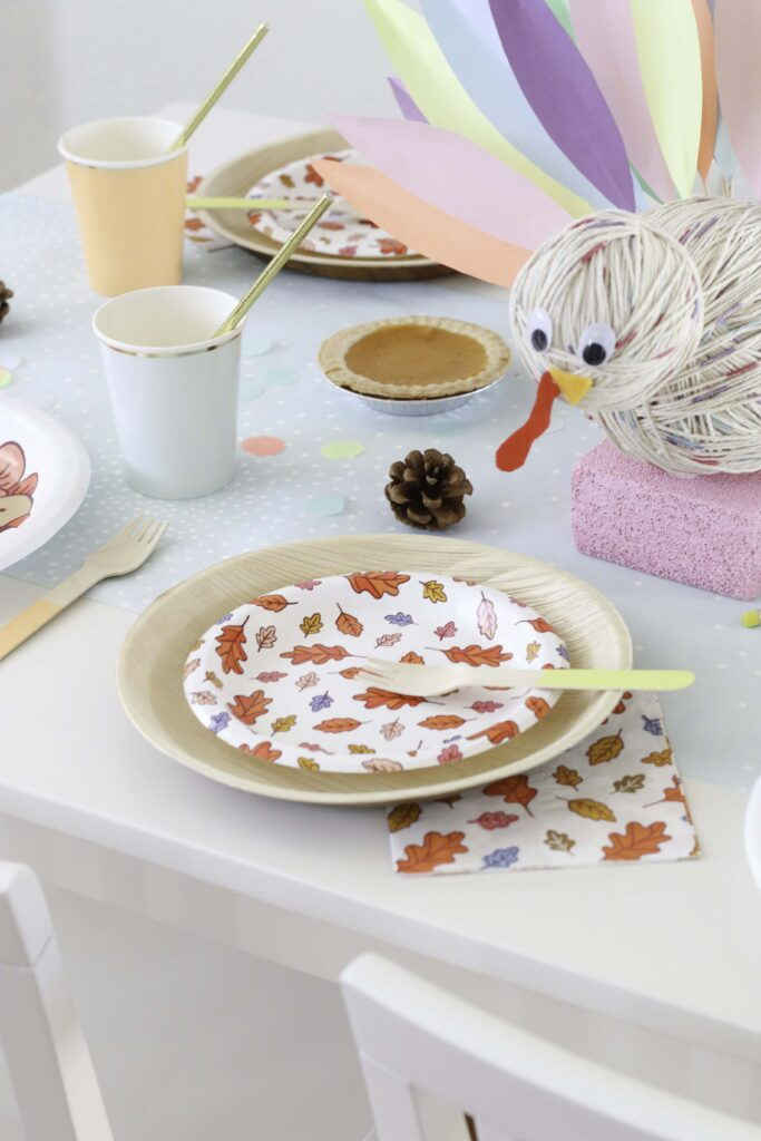 How to set up a Festive Kids Thanksgiving Table