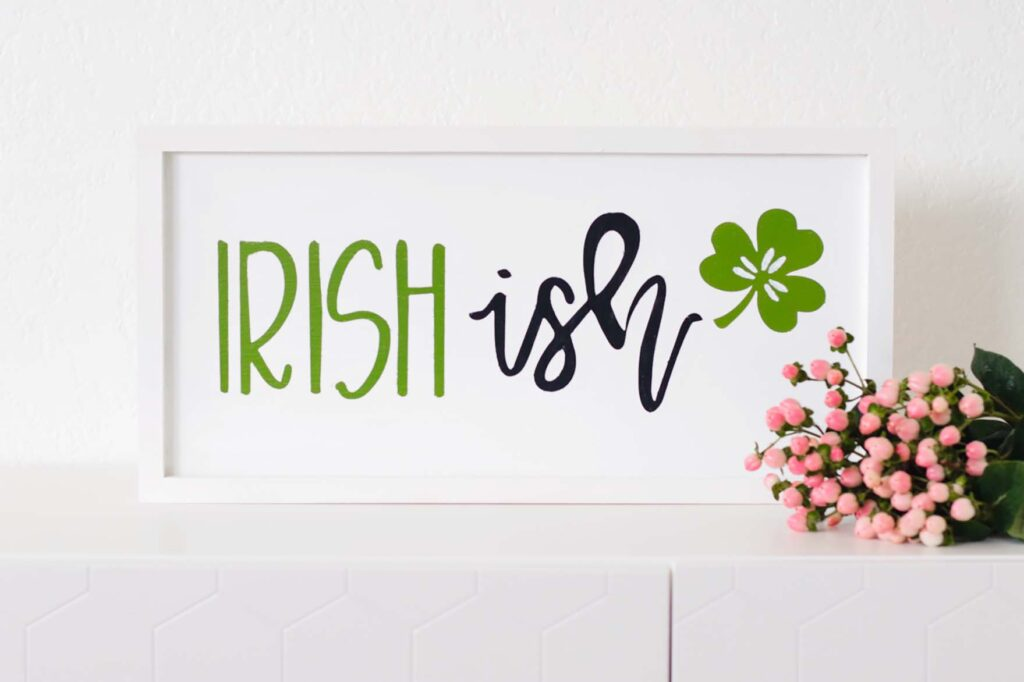 DIY Saint Patrick's Day Wood Sign