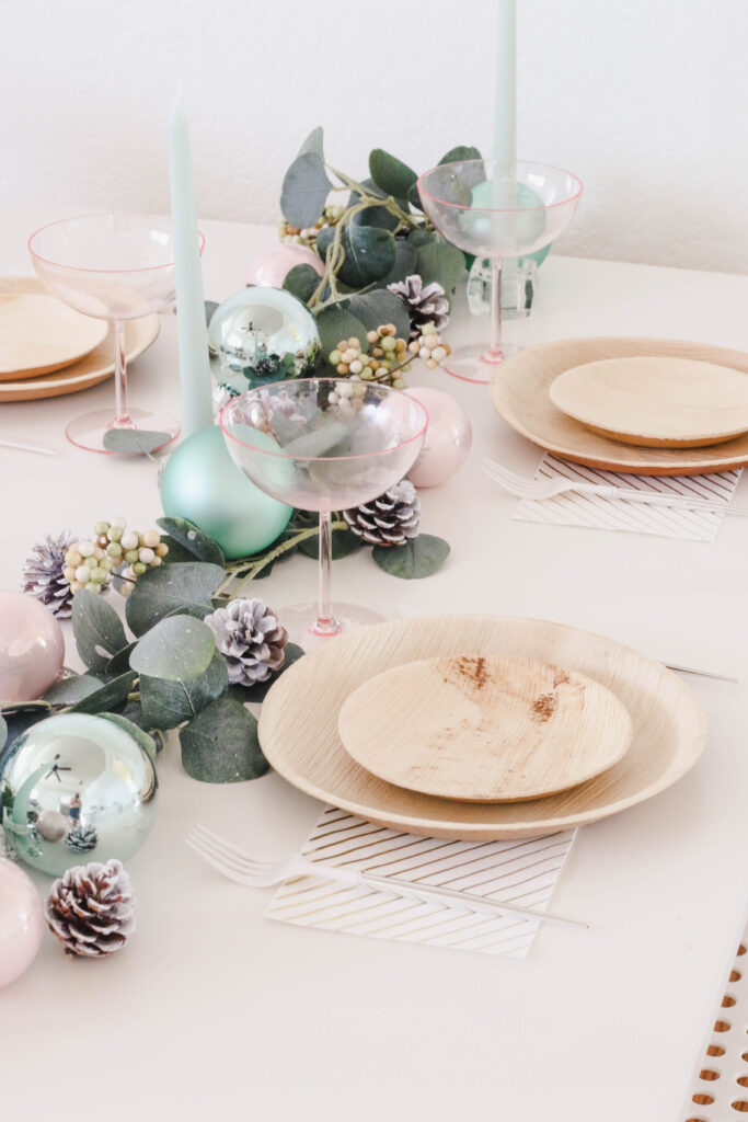 A Simple DIY Holiday Table Centerpiece